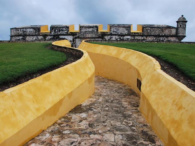 Camino de la fortaleza de San José el Alto en Campeche