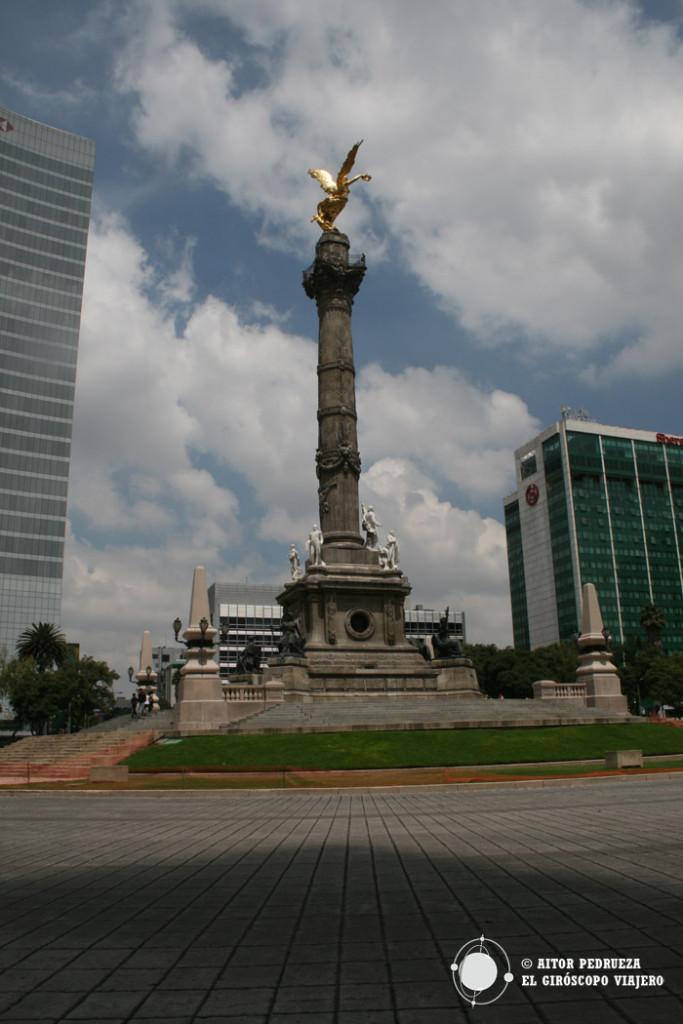 Ángel de la independencia en Paseo de la Reforma