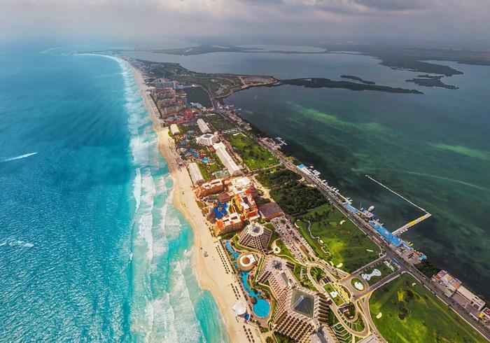 La Isla. La Zona de hoteles de Cancún