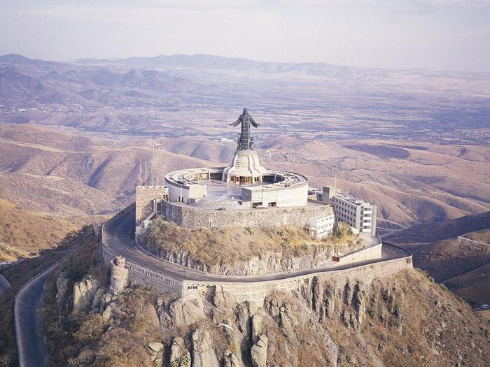 Estatua del Cristo Rey en el cerro del Cubilete