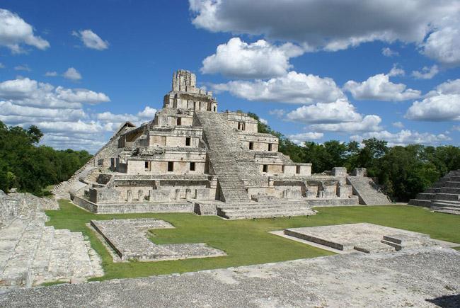 Pirámide Maya de Edzná