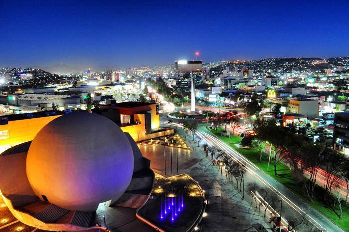 Tijuana con las luces nocturnas