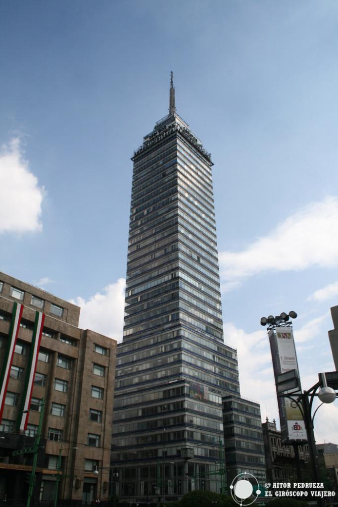 La Torre Latinoamericana, emblema del skyline de DF