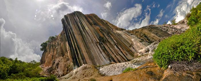 Cascada petrifica en Hierve el Agua