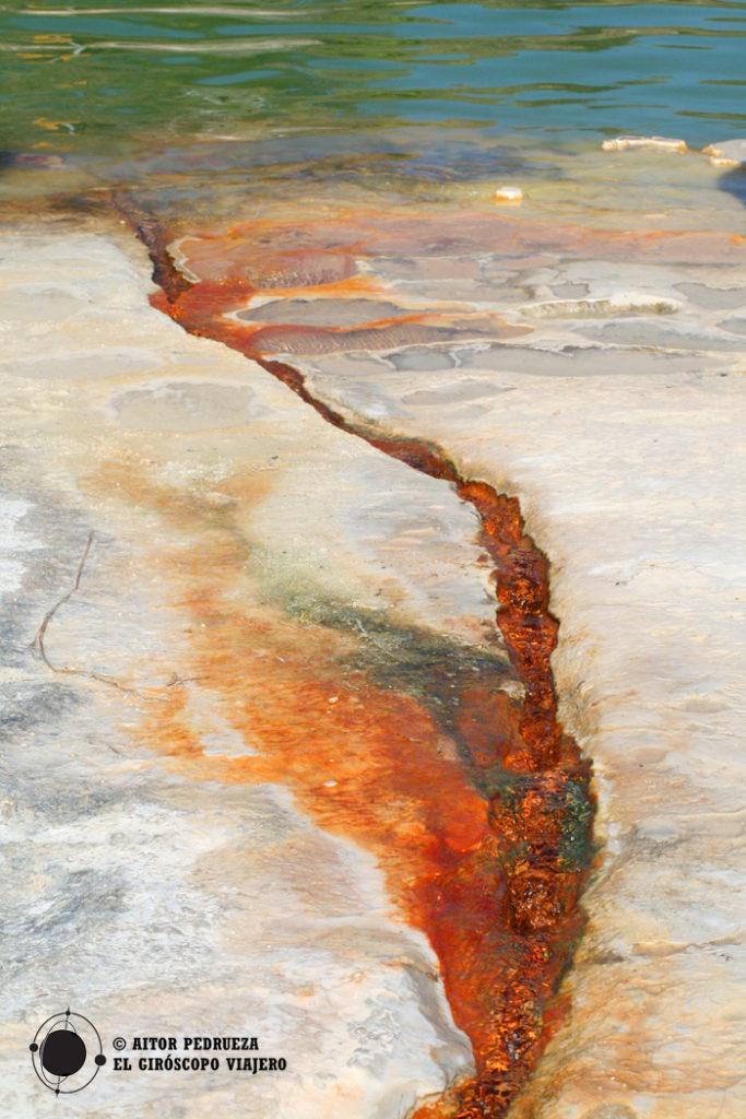 Canales prehispánicos de Hierve el Agua