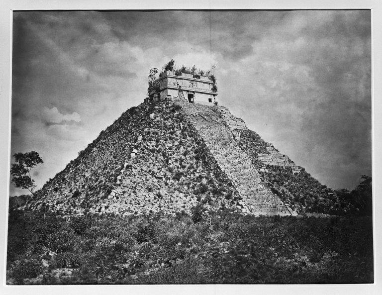 Foto de 1889 de las ruinas de Chichén Itzá