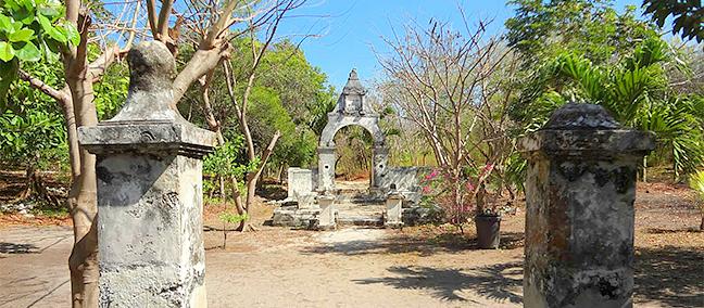 Arco de la Trigueña en la Hacienda Mundaca