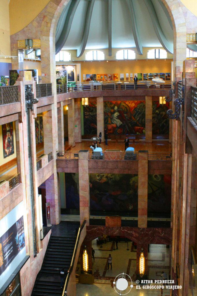 Interior del Palacio de Bellas Artes de DF