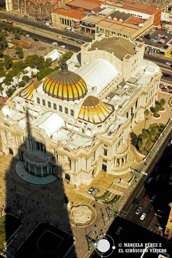 Vista al Palacio de Bellas Artes desde el mirador panorámico de la Torre Latinoamericana