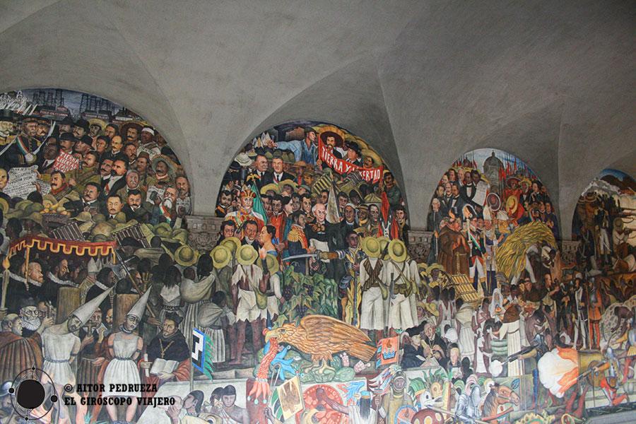 Mural de la escalera del Palacio Nacional