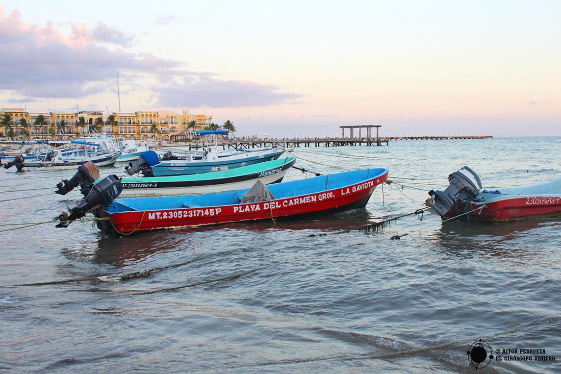 Barcas en Playa del Carmen
