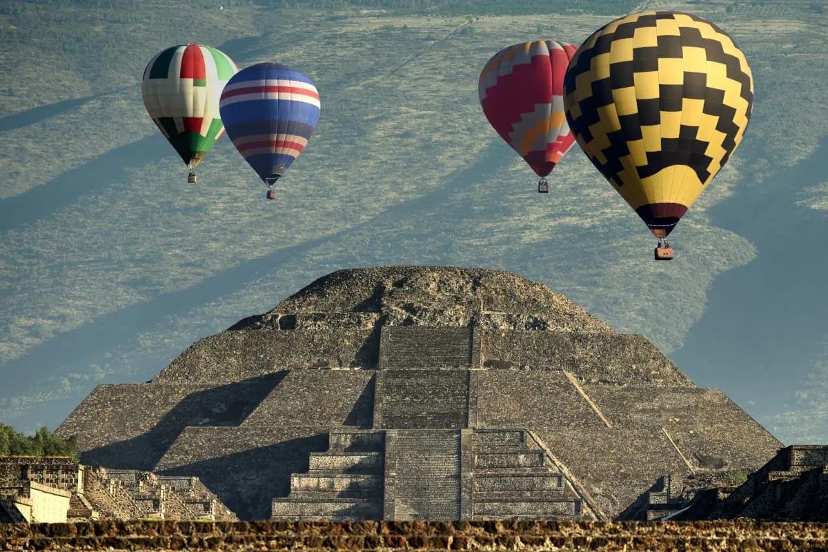 Paseo en globo sobre las pirámides de Teotihuacán