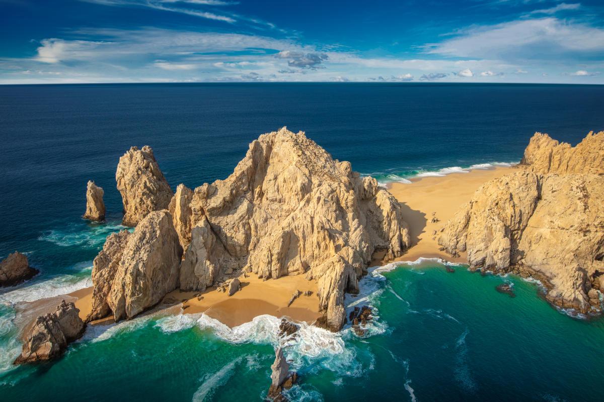 Playa del Amor junto al arco de Cabo San Lucas