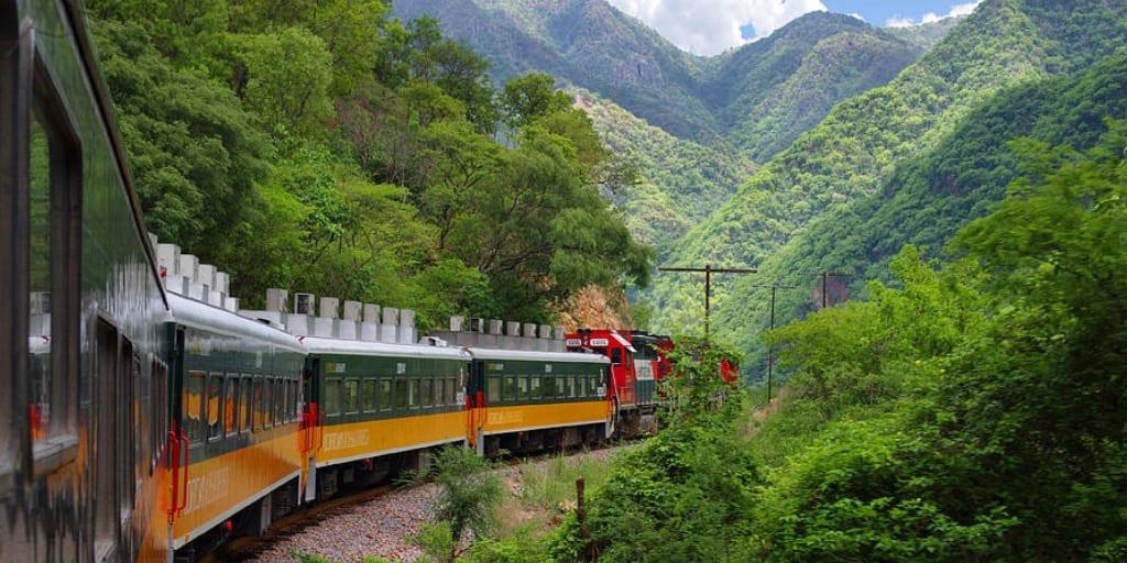 Tren conocido como El Chepe